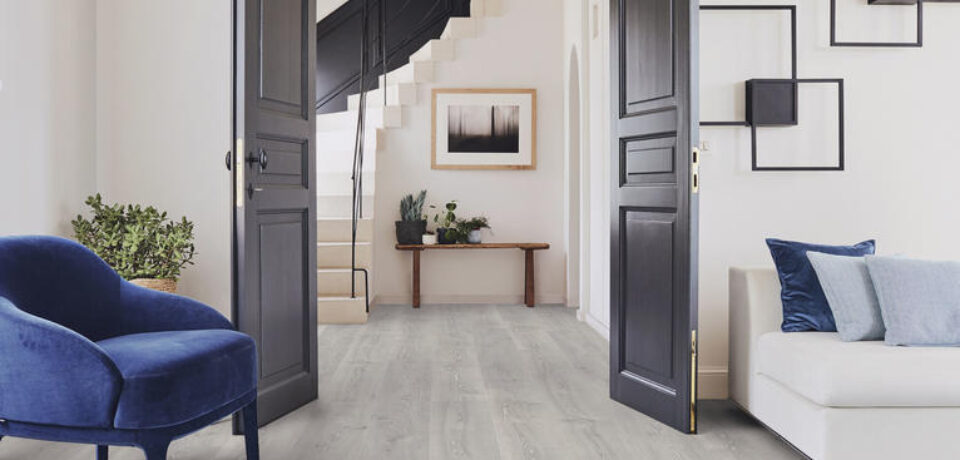 What are the benefits of getting a laminate floor?